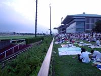 府中競馬場、広いですね~ Photo by うちのダンナさん